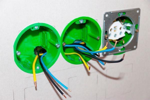 Электрика в частном доме своими руками